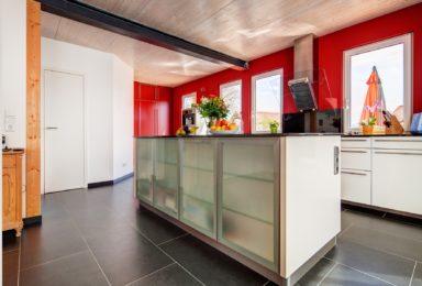 Ginsham: Traum-Haus mit Werkstatt und Schreiner-Einbauküche