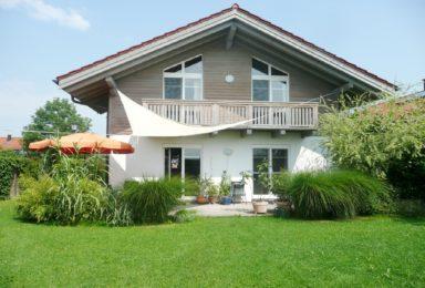 Hohenthann: Freistehendes Haus mit Berg-Blick und Kamin