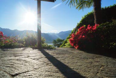 Lago Maggiore: Moderne Doppelhaushälfte mit Traum-Seeblick