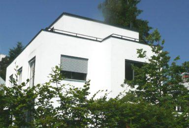 Ottobrunn: Freistehendes Haus im Bauhausstil in Bestlage