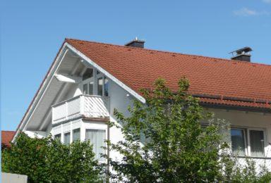Wolfratshausen: Lichtdurchflutete DHH – Wohnen auf hohem Niveau