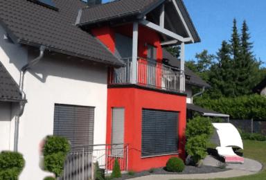 Aichelberg: Modernes Haus mit schönem Garten