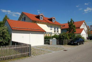 Brunntal: Doppelhaushälfte mit Wintergarten und Garage