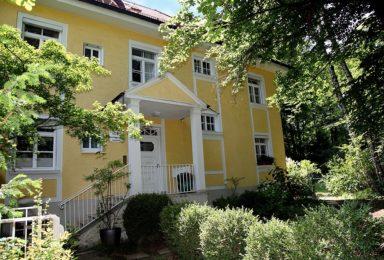 München Harlaching: Repräsentativer Altbau in Bestlage