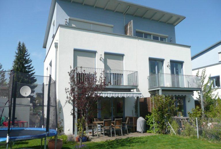 München Obermenzing: Moderne Doppelhaushälfte