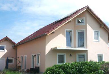 Weilheim: Niedrig-Energie-Haus mit Doppelgarage in ruhiger Lage