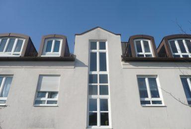 München Giesing: Helle 1-Zimmer Wohnung mit Einbau-Küche und Bad