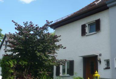 München Harlaching: Doppelhaushälfte mit wunderschönem Garten in Bestlage