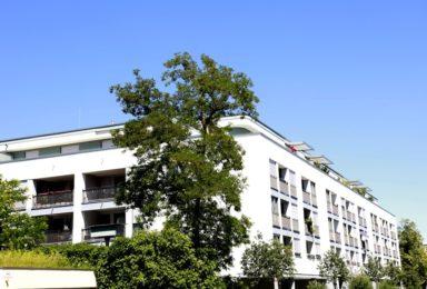 München Sendling: Moderne Neubau Dachgeschoss-Wohnung