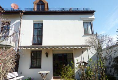 Neuried: Ruhiges gepflegtes Reihen-Eckhaus mit Einzelgarage