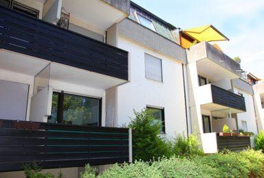 München Harlaching: Renovierte Wohnung mit Parkblick in ruhiger Lage