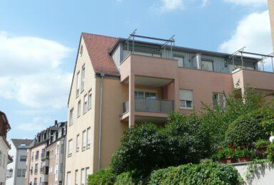 Augsburg: Moderne Wohnung mit toller Dachterrasse